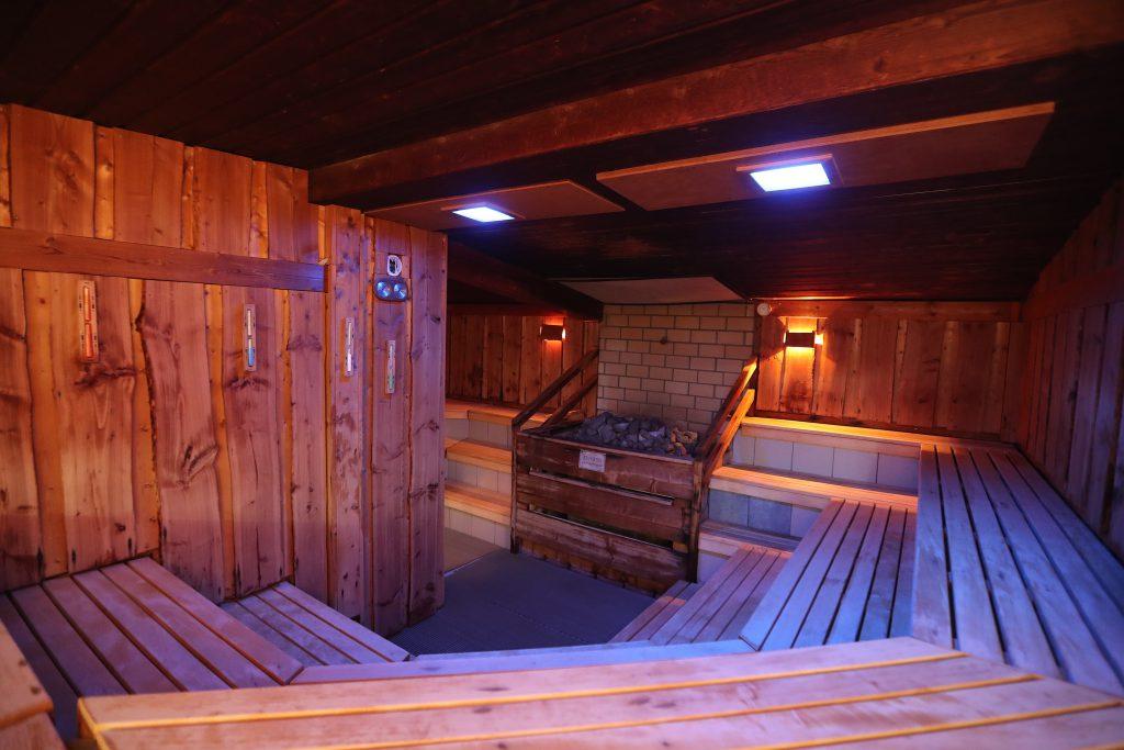 sauna aufg sse panorama sauna grafschaft holzweiler. Black Bedroom Furniture Sets. Home Design Ideas